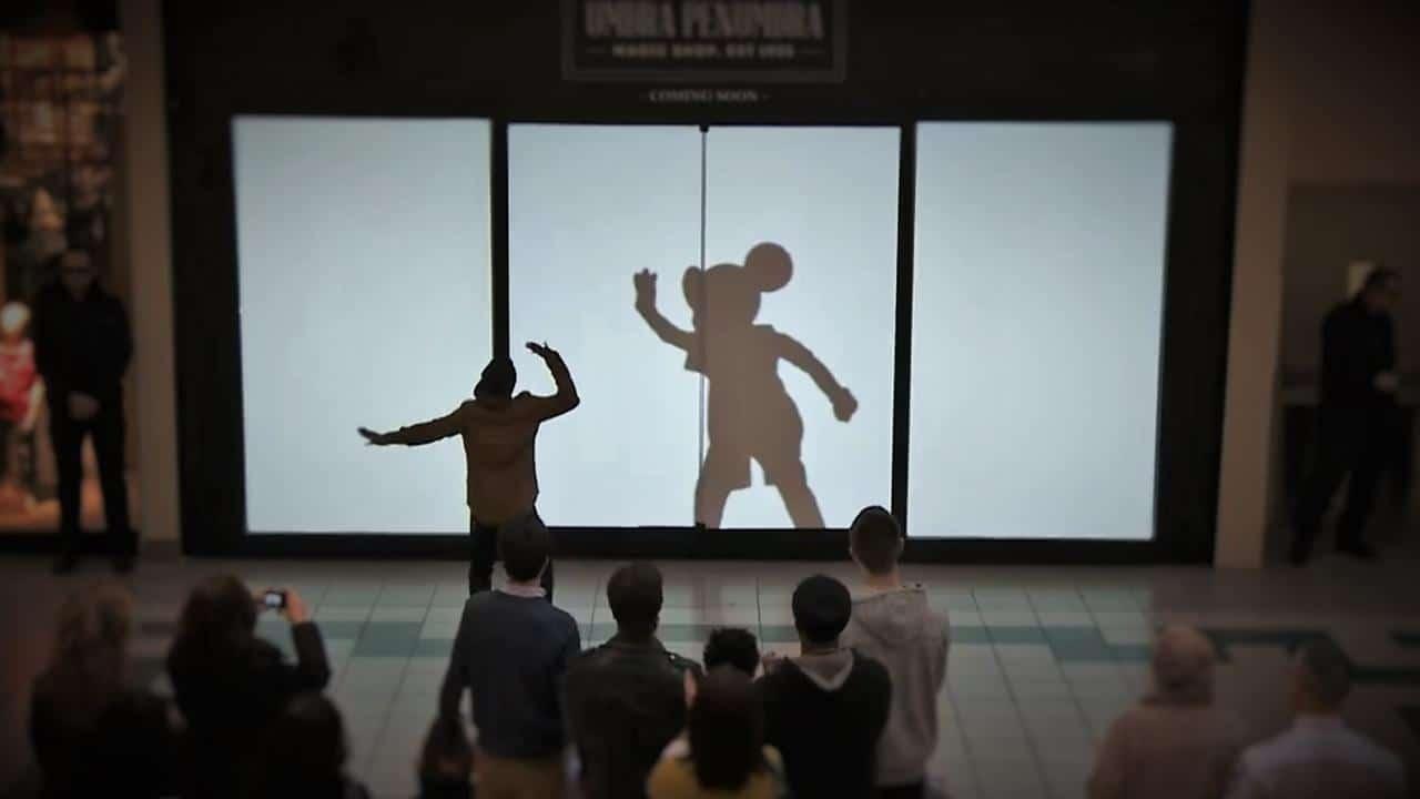 Геройте на Walt Disney се шегуват с клиенти на мол - Най-добрата реклама за 2015 ( засега ) - Muse Creativity студио за реклама и дизайн